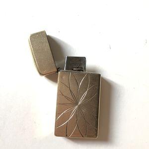 Vintage 22kt gold Scripto Butane zippo lighter for Sale in San Diego, CA