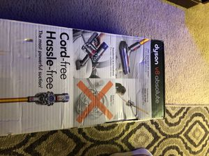 Dyson v8 absolute for Sale in St. Louis, MO