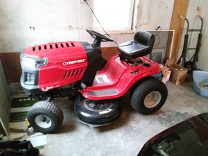 Troy bilt riding lawn mower used only 4 times for Sale in Portland, OR