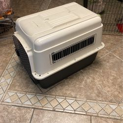 "Petmate Vari-kennel Dog Crate 31"" X 25"" for Sale in San Lorenzo,  CA"