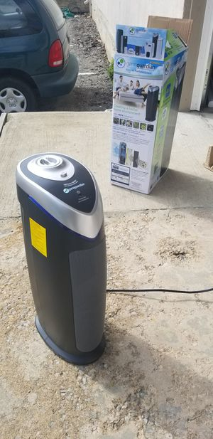 Germguardian Air Purifier with HEPA Filter, UVC sanitizer and Odor Reducer for Sale in Shawnee, KS