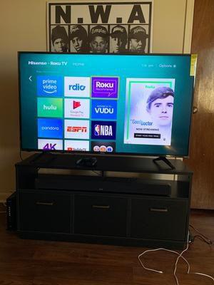 55 inch high sense smart Roku TV for Sale in Aurora, CO
