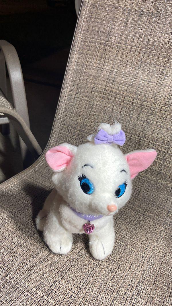 Disney cat plushy