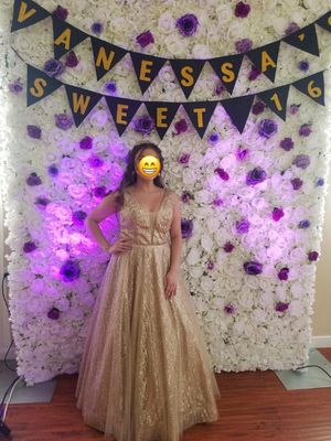 Dress Gold Gown for Sale in West Covina, CA