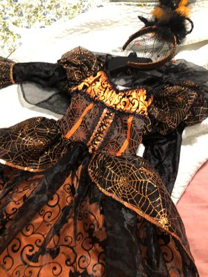 Witch costume for girls size 5/6 for Sale in Miami Gardens, FL