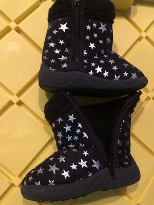 Girls/ baby fashion boots size 2c for Sale in Racine, WI