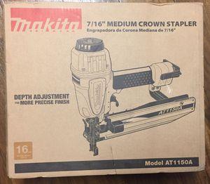 """Makita 7/16"""" medium crown stapler for Sale in Fresno, CA"""