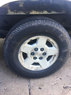 SILVERADO RIMS for Sale in Elgin, IL