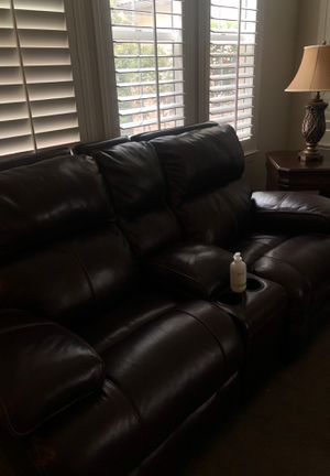 Brown leather sofa set for Sale in Wildomar, CA