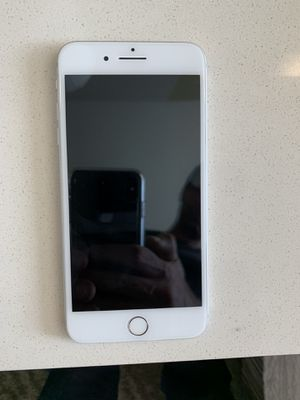 Unlocked I phone 7 plus - 32 GB white pick up only for Sale in Monument, CO