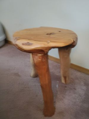 Small side table, foot stool $25 for Sale in Rainier, WA