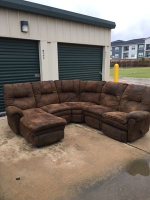 Brown sectional couch for Sale in Katy, TX