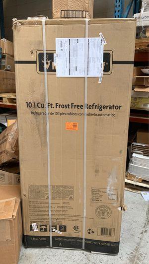 Magic chef 10.1 frost free refrigerator!! for Sale in Phoenix, AZ