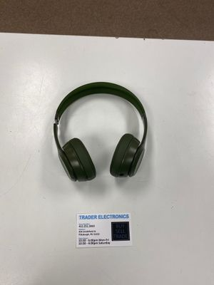Beats by Dre Solo 3 Wireless (green) for Sale in Pittsburgh, PA