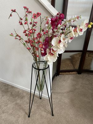 Glass metal decorative Vase Stand w/ artificial flowers for Sale in San Diego, CA
