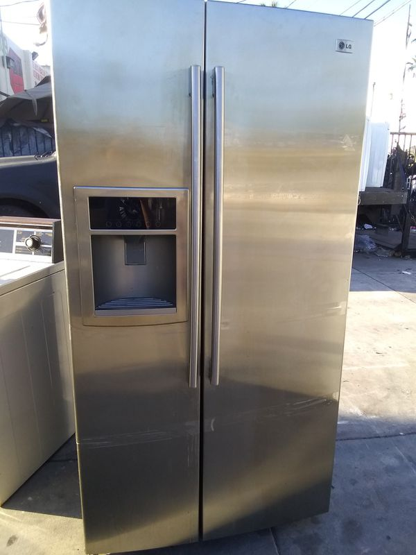 LG REFRIGERATOR SIDE BY SIDE STAINLESS STEEL