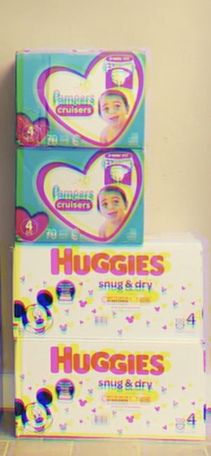 Diapers size 4 for Sale in Kansas City, KS