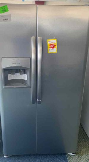 Brand new Frigidaire LFSS2612TF refrigerator K for Sale in Beverly Hills, CA