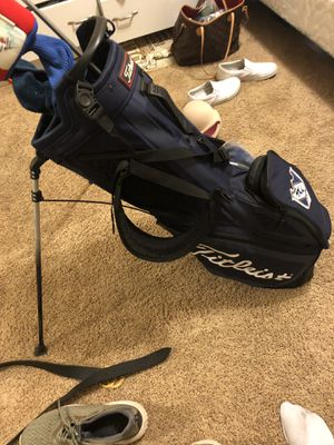 Titleist golf Bag- W/ Logo for Sale in Thousand Oaks, CA