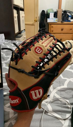Wilson A2000 Baseball Glove for Sale in Long Beach, CA