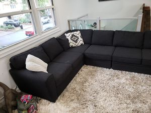 Like new large L shape couch sectional for Sale in Staten Island, NY
