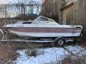 2 boats (Ciation & Unknow) for Sale in Philadelphia, PA