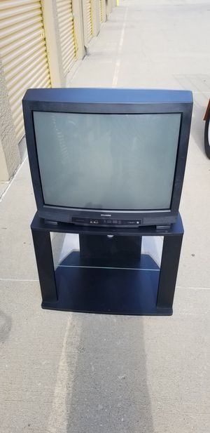 32' inch TV w/Entertainment Stand for Sale in Columbus, OH