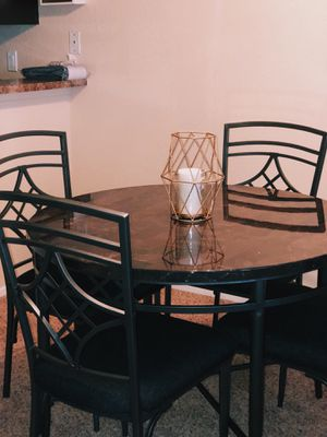 Kitchen table with chairs for Sale in Victorville, CA