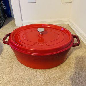 Staub pot Oval #33 7qt Red for Sale in Bellevue, WA