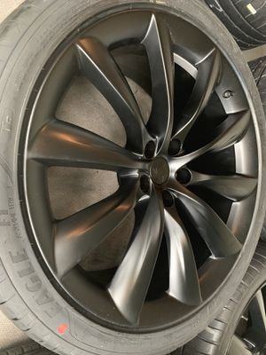 Brand New Tesla 22 inch Wheels and Tires for Sale in North Miami, FL