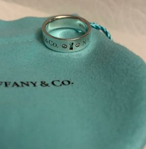 Tiffany & co. Keyhole ring for Sale in San Jose, CA