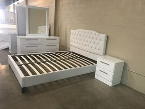 Brand new queen size bedroom set $499 for Sale in Hialeah, FL