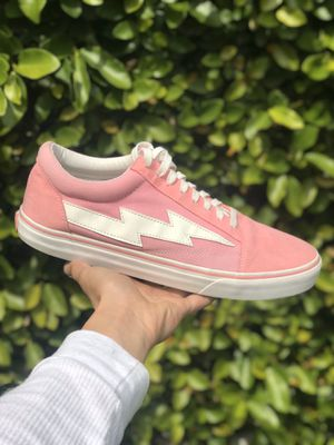 Revenge Storms bolt pink for Sale in Downey, CA