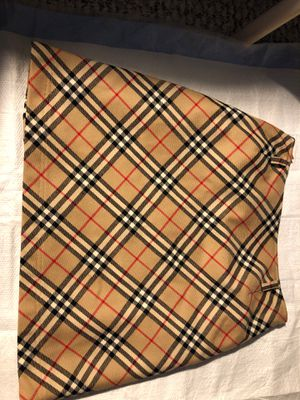 Burberry skirt size 38 for Sale in Hope Mills, NC