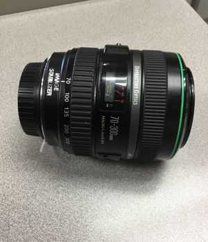 Canon zoom lens 70-300mm 1.4m/4.6ft for Sale in Brooks, OR