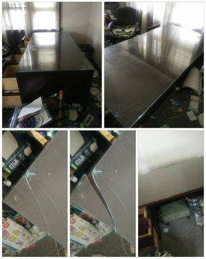 Large heavy computer desk for Sale in Brooklyn, OH