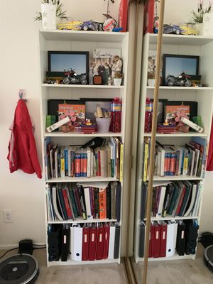 White bookcase for Sale in Laguna Niguel, CA