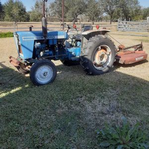Ford 1600 Diesel Tractor Runs Good for Sale in Alvin, TX