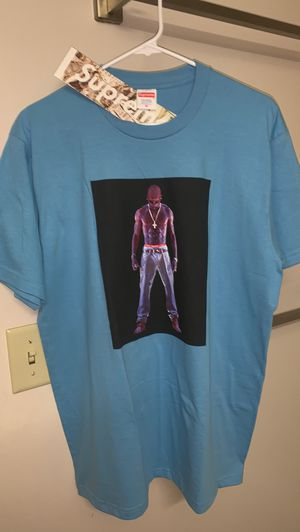 Supreme 2pac hologram tee 🥶 for Sale in Fort Bragg, NC