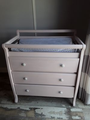 Pink changing table for Sale in Port Charlotte, FL
