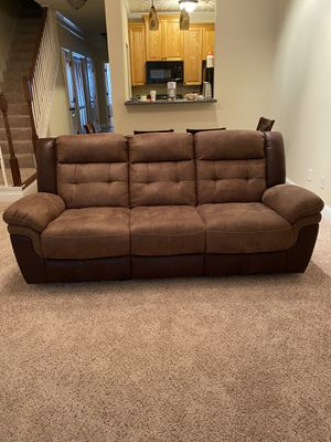Couch with recliners/ great condition for Sale in Warner Robins, GA