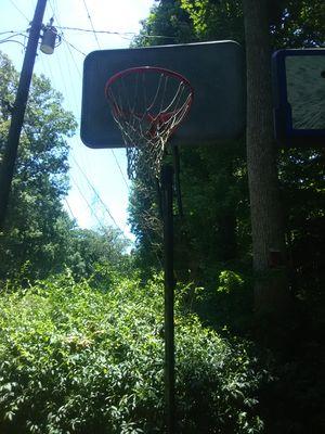 Basketball hoop for Sale in Lawrenceville, GA