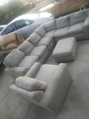 Grey sectional couch for Sale in Glendale, AZ