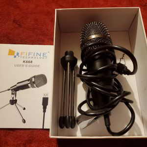 Microphone new connects to laptop or computer for Sale in Victorville, CA