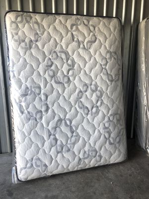Queen size set for Sale in North Las Vegas, NV
