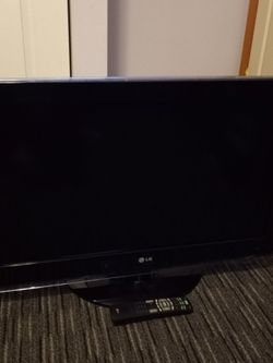 """LG LCD TV 32"""" for Sale in Tacoma,  WA"""