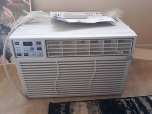 Window air conditioner for Sale in Suitland, MD