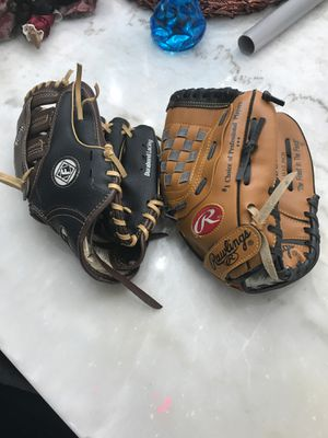 Baseball gloves for sale for Sale in Chicago Heights, IL