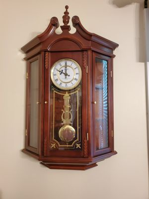 Like New Hanging Wall Clock for Sale in South Attleboro, MA