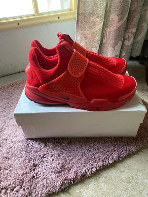 Nikes size 9.5 for Sale in Kissimmee, FL